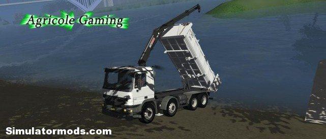 ACTROS 8x4 with a crane